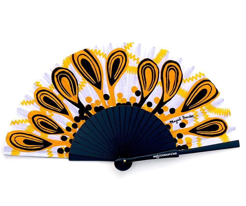 © courant d'air 04 © Magali Bardos handfan textile pattern silkscreen on coton cloth black yellow peacock