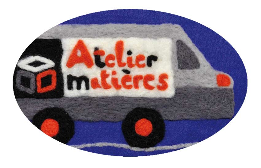 carte de voeux 2018 Atelier Matières © Magali Bardos moving truck illustration felted wool blue orange gray black white DIY