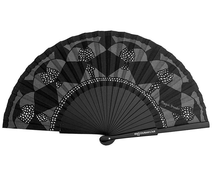 Dentelle ©courant d'air © Magali Bardos handfan pattern summer hot heatwave silkscreen black lace lacework gris