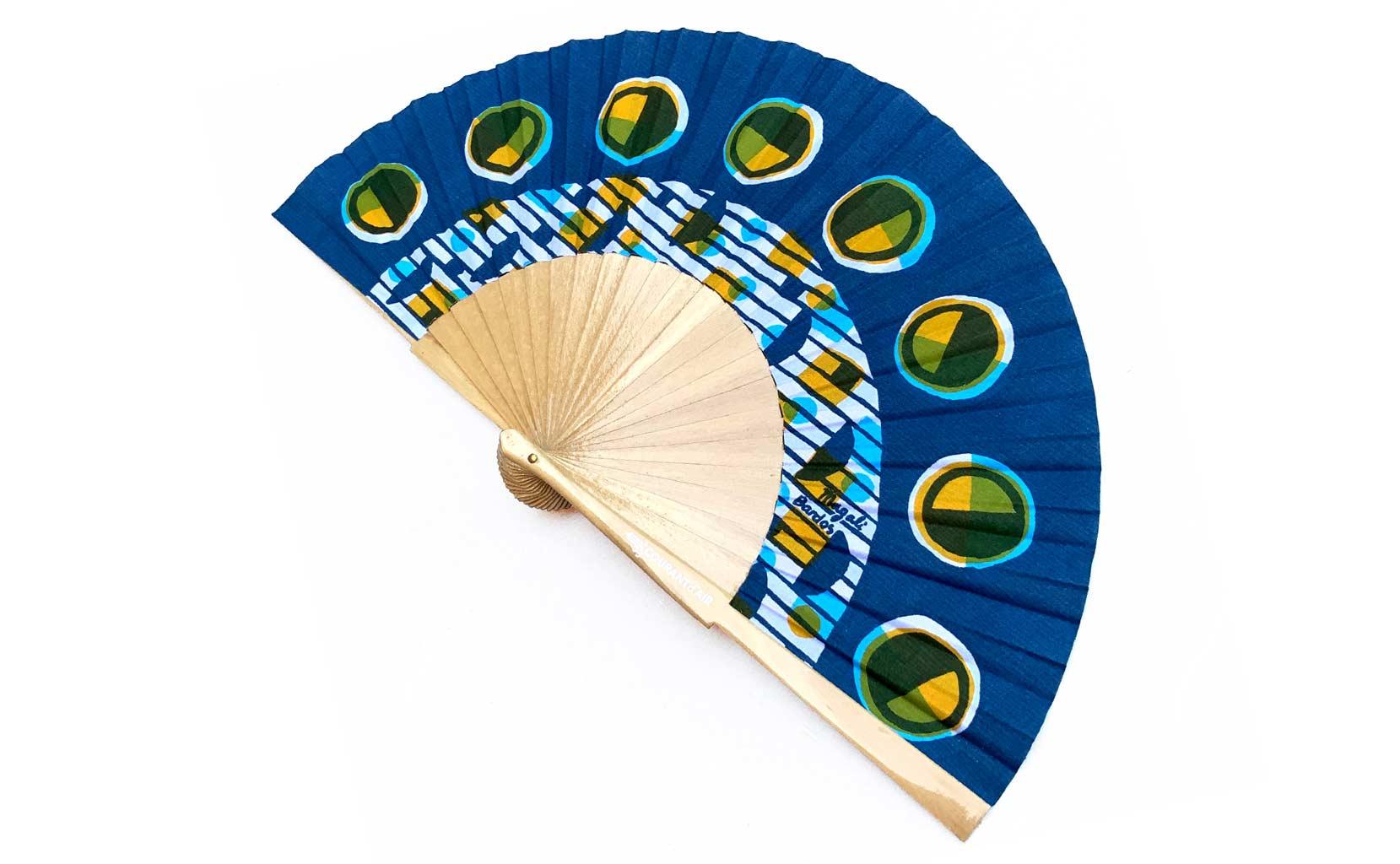 Eclipse © courant d'air © MagaliBardos éventail handfan motif pattern sérigraphie sur tissus silkscreen bleu jaune cycle de la lune