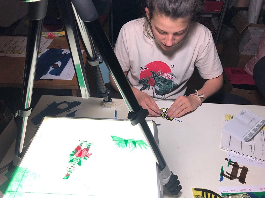 Magali Bardos La tigresse Olga scénario Claude Bardos adaptation making off stop motion film d'animation papiers découpés cirque