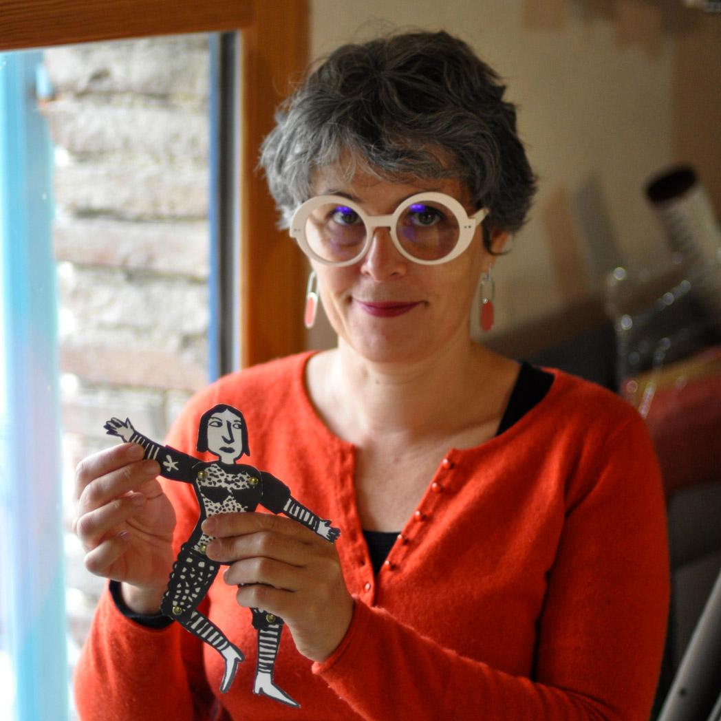 Magali Bardos photo pantin articuler papier dessin personnages motifs graphique