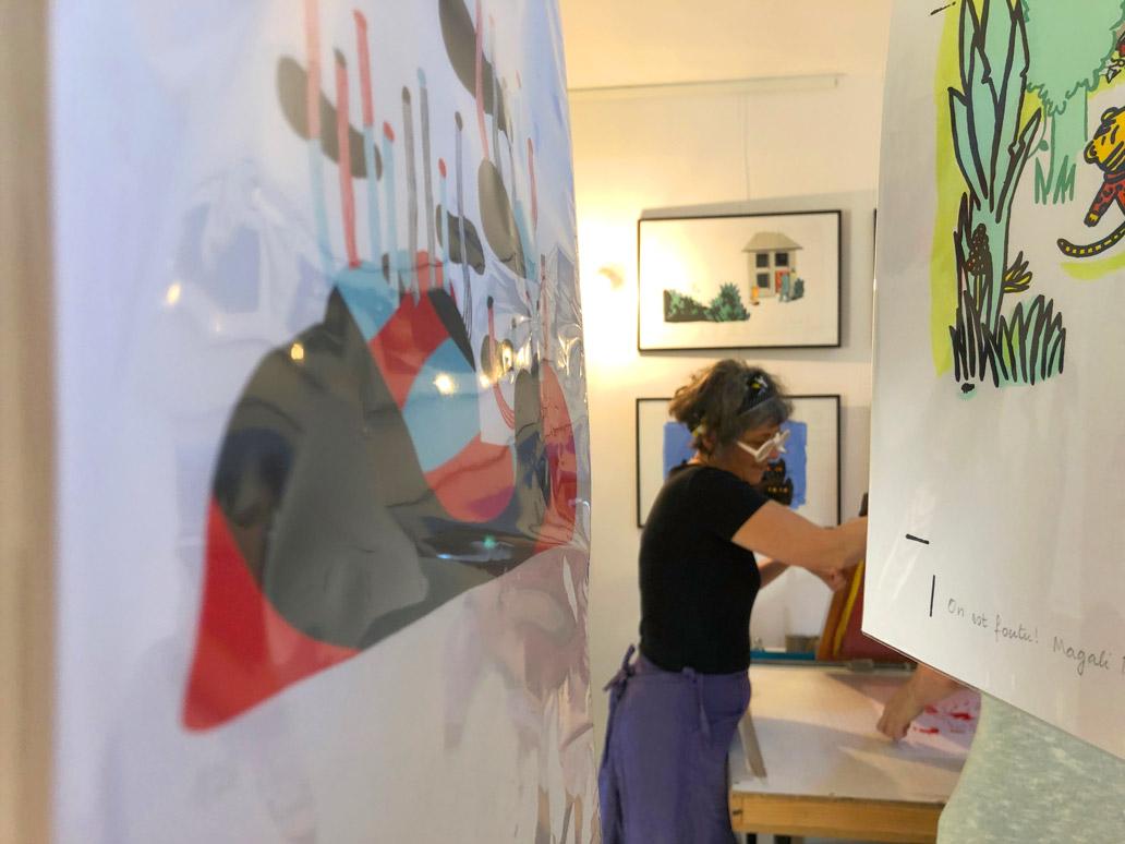 Magali bardos photo atelier cadre illustration sérigraphie démonstration portes ouvertes